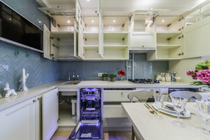 Practical advice on choosing a kitchen furniture set, what the headset consists of