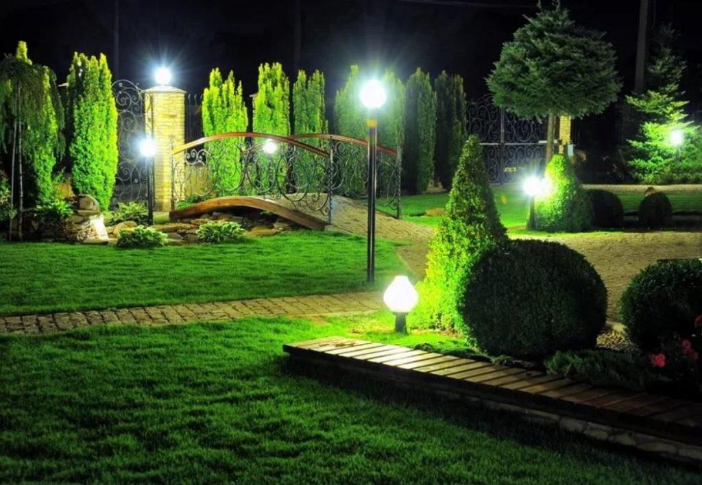 Классические фонари ночного освещения