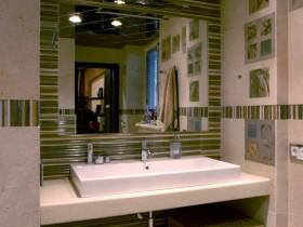 Стильна ванна кімната в квартирі