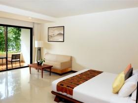 Совмещенная спальня в стиле конструктивизм