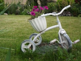 Children's Bicycle as a pot of flowers