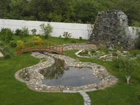 The idea of a garden pond