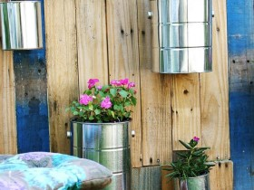 Vertical gardening in the tin