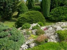 Beautiful rock garden at the cottage