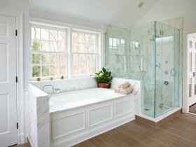 Белая ванная пакой у амерыканскім стылі