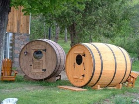 The bath in the form of barrels