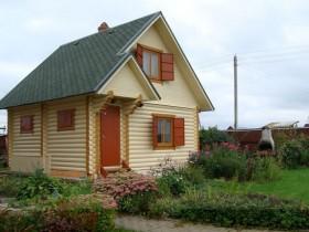 Двухэтажная деревянная баня