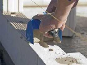 Masonry blocks on the glue