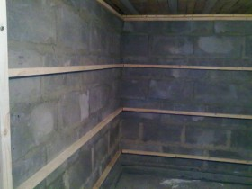 Wooden crate for insulation and sheathing clapboard
