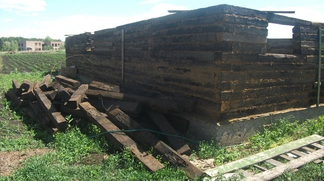 Строительство бани из шпал