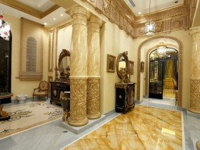Luxury entrance hall