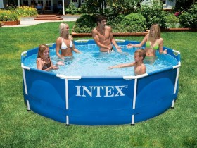 Mobile outdoor pool