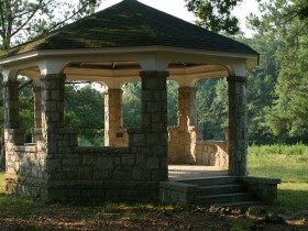 Stone gazebo with your own hands