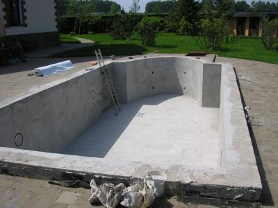 Готовая бетонная чаша для бассйена