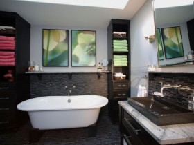 Large bathroom in dark colors