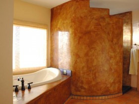 Large bathroom with Oriental motifs