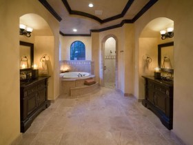 Large bathroom in Oriental style