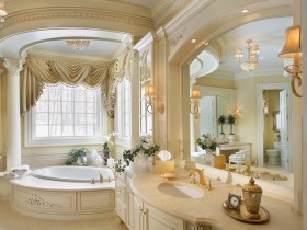 Large bathroom in the Rococo style