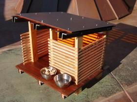 Маленькая легкая будка для собаки