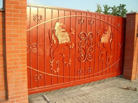 Red gate with lions