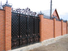 Design metal swing gates