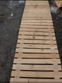 Эконом-вариант садовой дорожки: деревянная дорожка из европоддонов своими руками