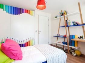 Светлая детская комната для мальчика