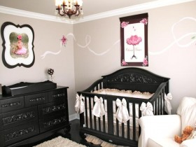 Contrasting colors in the interior a child's room