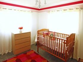Simple baby room design