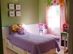 Маленькая детская комната для девочки подростка