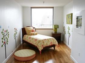 Затишна маленька дитяча кімната