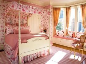 Кровать под балдахином для девочки