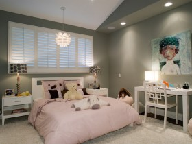 Children's room for girl in darker shades