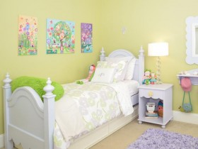 Children's room for girls in bright colors