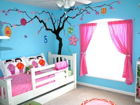 Cozy nursery for your little girl