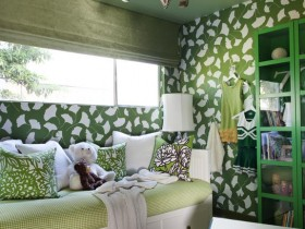 Childrens room in green shades