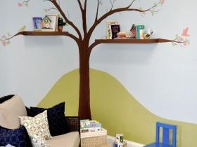Креативная полка в детской комнате