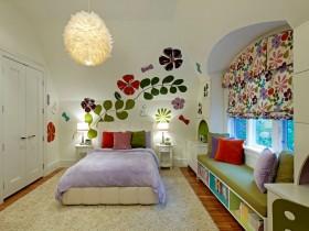 Разрисованные стены в детской комнате