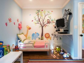 Tiny kids room for girl