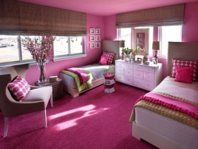 Glamorous kids room for two girls