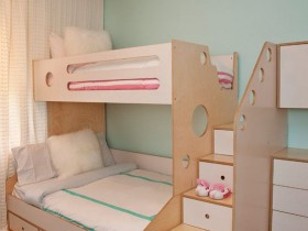 The design of the nursery bed for two children