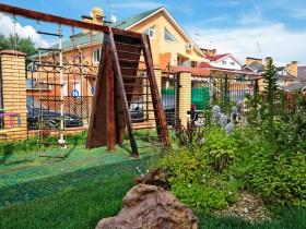 Детская площадка с канатом и лестницей