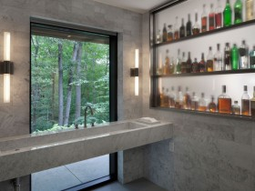 Mini-bar next to the sink