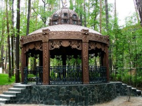 Luxury gazebo with your own hands: photo examples of design gazebos