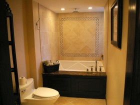 Small bathroom with WC