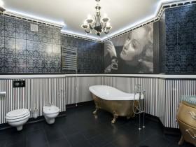Ванная комната с золотой ванной
