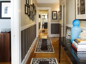 Stylish narrow hallway in the cottage