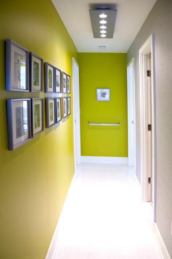Коридор зеленого цвета фото