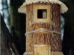Гарний будиночок для білки