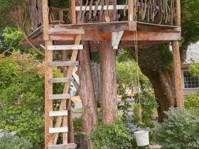 Стильный домик на дереве